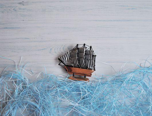 """Другие виды рукоделия ручной работы. Ярмарка Мастеров - ручная работа. Купить Фотофон 50х50 см для красивых фото """"Светло-голубое дерево"""". Handmade."""
