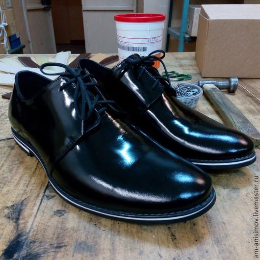 Обувь ручной работы. Ярмарка Мастеров - ручная работа. Купить Туфли мужские лаковые. Handmade. Черный, натуральная кожа