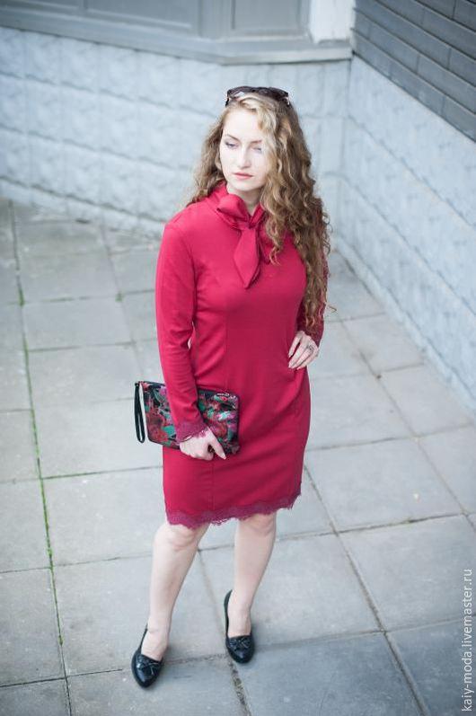 Платья ручной работы. Ярмарка Мастеров - ручная работа. Купить Новинка для осени - Платье с бантом и кружевом - цвет марсала. Handmade.