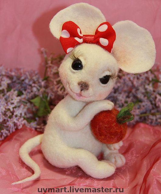Игрушки животные, ручной работы. Ярмарка Мастеров - ручная работа. Купить Мышка Маруся. Handmade. Мышка, подарок, глаза стеклянные