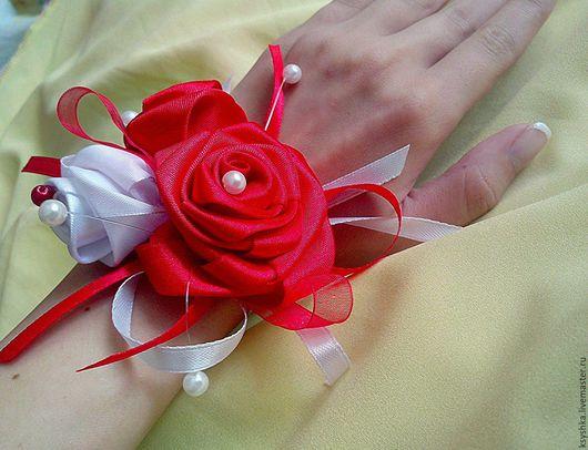Свадебные украшения ручной работы. Ярмарка Мастеров - ручная работа. Купить Браслеты для подружек невесты! Красная роза. Handmade.