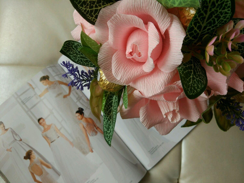 Оригинальный букет на свадьбу в подарок молодоженам фото