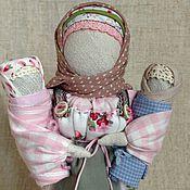 Куклы и игрушки ручной работы. Ярмарка Мастеров - ручная работа Народная кукла Мамушка оберег на материнство (розовый, голубой, белый). Handmade.