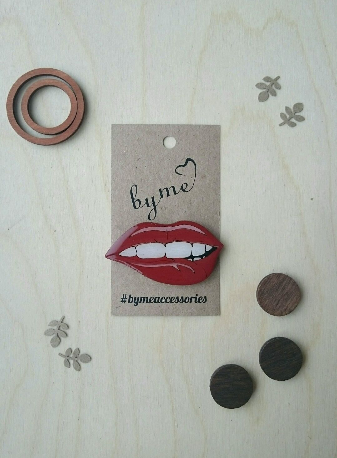 Icon wooden 'Lips', Badge, Permian,  Фото №1