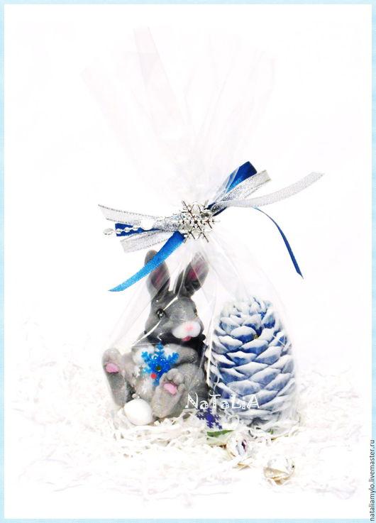 """Мыло ручной работы. Ярмарка Мастеров - ручная работа. Купить Набор """"Заяц с шишкой"""". Handmade. Комбинированный, подарок на новый год"""