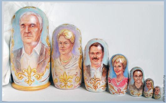 """Люди, ручной работы. Ярмарка Мастеров - ручная работа. Купить Подарок на юбилей портрет семьи """"матрешки портретные"""". Handmade."""