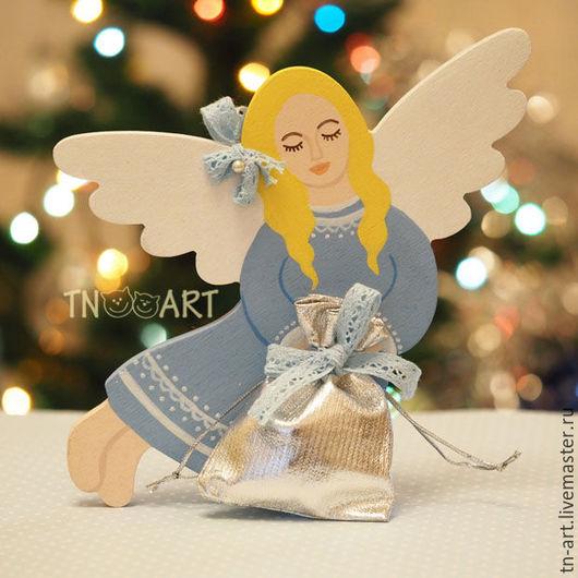 Новый год 2017 ручной работы. Ярмарка Мастеров - ручная работа. Купить Нежный ангел с мешочком для подарка - подвеска. Handmade.