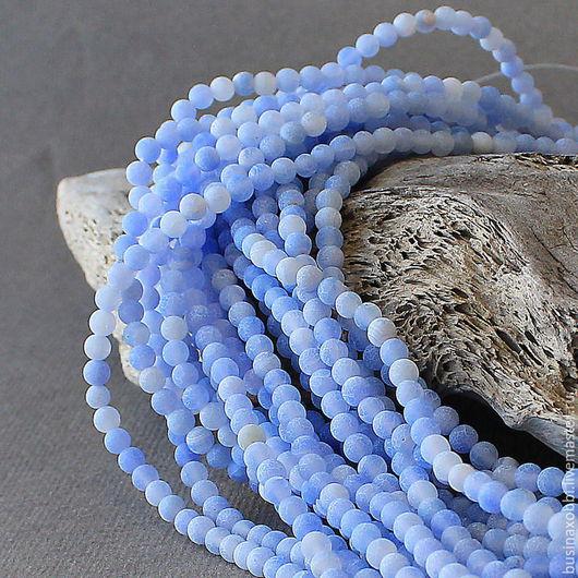 Бусины агат кракле матовый 4 мм ниткой  Бусины из натурального камня агата.  Бусины агата круглого сечения, диаметром 4 мм Бусины агата - кракле, матовый, цвет голубой Бусины агата продаются ниткой