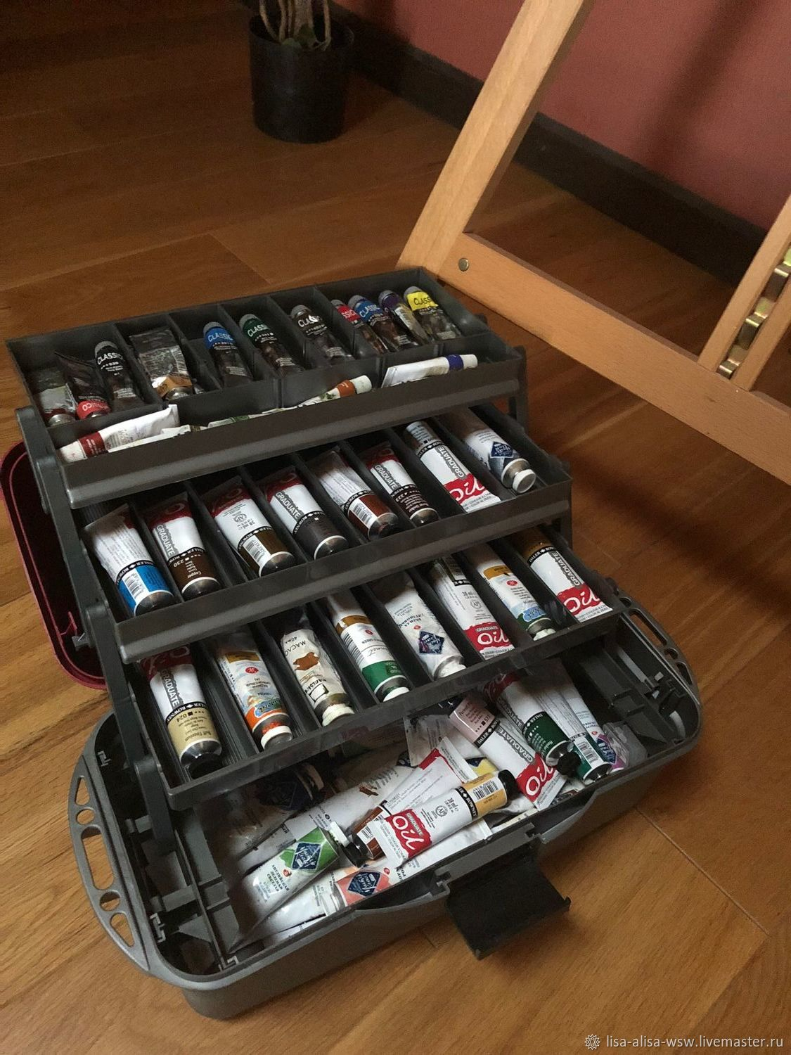 mailbox suitcase for a hobby
