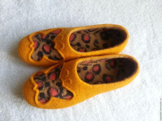 Обувь ручной работы. Ярмарка Мастеров - ручная работа. Купить валяные тапочки Ля-опард. Handmade. Желтый, тапочки из войлока