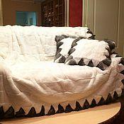 Для дома и интерьера ручной работы. Ярмарка Мастеров - ручная работа Плед с подушками белый РЭКС. Handmade.
