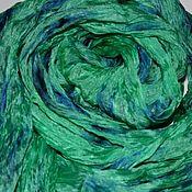 Палантины ручной работы. Ярмарка Мастеров - ручная работа Шарф шёлковый зелёный батик светло-изумрудный с синим подарок женщине. Handmade.