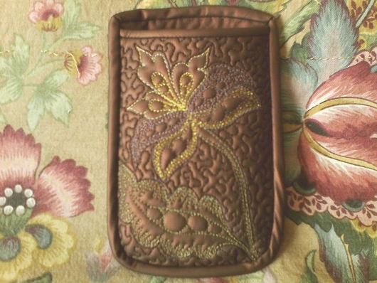 """Для телефонов ручной работы. Ярмарка Мастеров - ручная работа. Купить Стёганый чехол для телефона """"Гранатовый цветок"""". Handmade."""