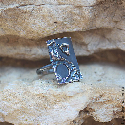 Кольцо из серебра крупное