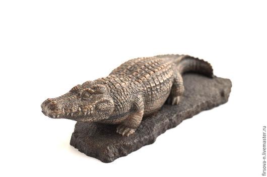 Статуэтки ручной работы. Ярмарка Мастеров - ручная работа. Купить Крокодил из камня. Handmade. Коричневый, резьба по камню, фигурки животных