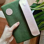 Сумки и аксессуары handmade. Livemaster - original item Cover for the tablet female universal green with a leather flap.. Handmade.