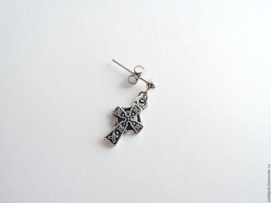 Украшения для мужчин, ручной работы. Ярмарка Мастеров - ручная работа. Купить Серьга мужская (одиночная) «Кельтский крест» малый (два варианта). Handmade.