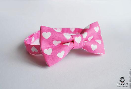 Галстуки, бабочки ручной работы. Ярмарка Мастеров - ручная работа. Купить Галстук бабочка Love Story / бабочка галстук розовая с сердечками. Handmade.