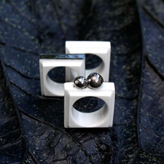 """Кольца ручной работы. Ярмарка Мастеров - ручная работа. Купить Кольцо """"Белый квадрат"""". Handmade. Белый, кольцо из фарфора, Футуризм"""