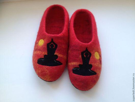 """Обувь ручной работы. Ярмарка Мастеров - ручная работа. Купить Домашние женские валяные тапочки """" Йоги """". Handmade."""