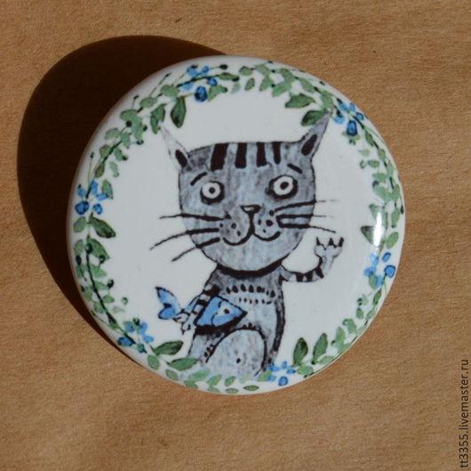 Броши ручной работы. Ярмарка Мастеров - ручная работа. Купить акварельный котик с рыбкой брошь. Handmade. Васильковый, фарфор, cat