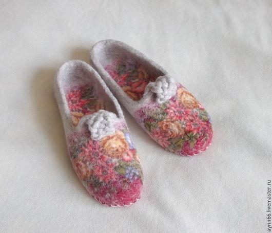 """Обувь ручной работы. Ярмарка Мастеров - ручная работа. Купить Тапочки """"Лизавета"""". Handmade. Разноцветный, тапочки валяные, подарок женщине"""