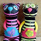 Куклы и игрушки ручной работы. Ярмарка Мастеров - ручная работа Коты кислотные  - игрушка. Handmade.