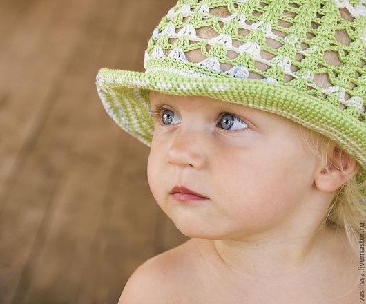 Летняя шляпка для малышки. \r\nВязаная шляпка в салатово-бело-синюю крапинку. Попова Елена Игоревна (Vasilissa) ярмарка мастеров