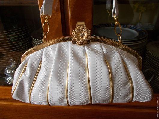 Винтажные сумки и кошельки. Ярмарка Мастеров - ручная работа. Купить сейчас 60 евро.Белая вечерняя сумочка  винтаж италия. Handmade.