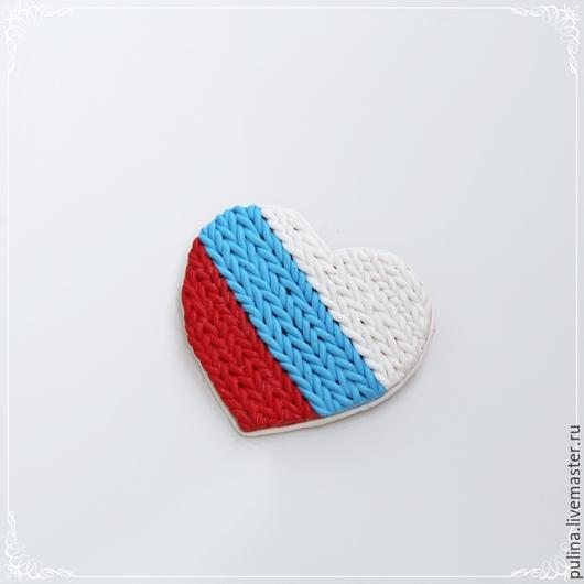 Брошь `Люблю Россию`
