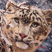 """Картины и панно ручной работы. Ярмарка Мастеров - ручная работа Вышитая картина """"Снежный барс"""". Handmade."""
