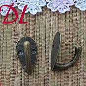 Элементы для декупажа и росписи ручной работы. Ярмарка Мастеров - ручная работа Крючок для ключницы Ф 148  с креплением. Handmade.