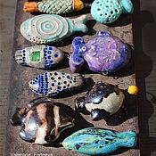 Материалы для творчества ручной работы. Ярмарка Мастеров - ручная работа Бусина рыбка цветная в ассортименте. Handmade.