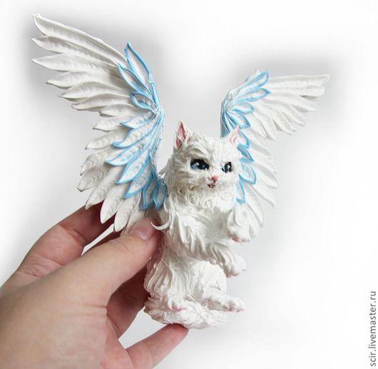 """Игрушки животные, ручной работы. Ярмарка Мастеров - ручная работа. Купить фигурка """"белая крылатая кошечка"""" (кошка игрушка, кошка статуэтка). Handmade."""