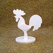 Подарки к праздникам ручной работы. Ярмарка Мастеров - ручная работа Петушок на подставке-1. Handmade.