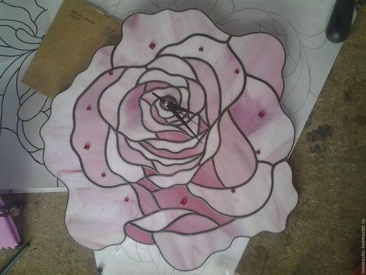 Часы для дома ручной работы. Ярмарка Мастеров - ручная работа. Купить часы настенные Роза. Handmade. Бледно-розовый, Витраж