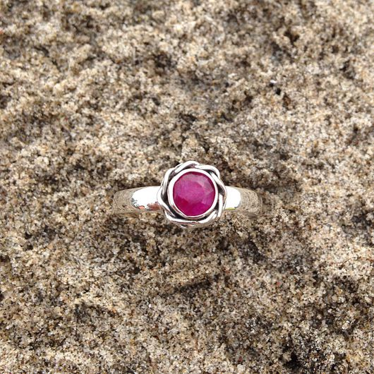 """Кольца ручной работы. Ярмарка Мастеров - ручная работа. Купить Кольцо """"Рубиновый цветок"""". Handmade. Бордовый, Серебрянное кольцо, с рубином"""