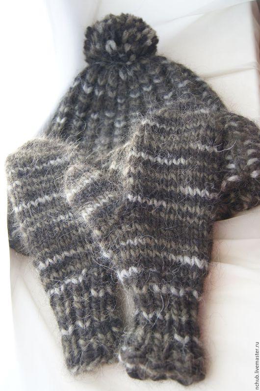 Шапки ручной работы. Ярмарка Мастеров - ручная работа. Купить Шапка и варежки вязаные объемные из исландской шерсти Зеленый с серым. Handmade.