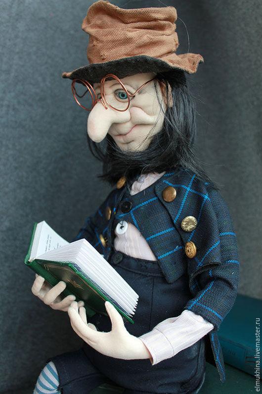 Гном . Лепрекон. Фантазийный персонаж. Коллекционная кукла .Купить подарок .Кукла гном. По мотивам Жан Батиста Монжа. Гном текстильный. Купить гнома недорого.
