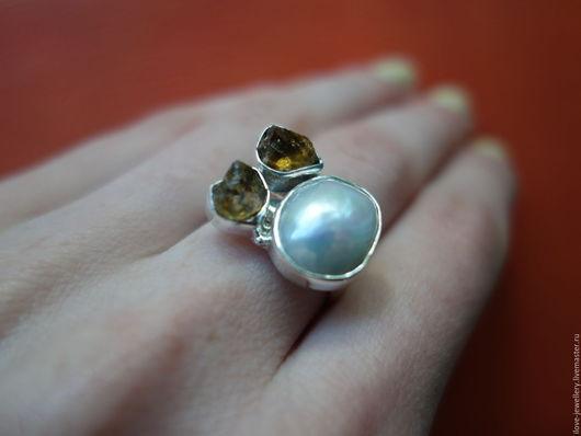 """Кольца ручной работы. Ярмарка Мастеров - ручная работа. Купить """"Эльза""""-оригинальное серебряное кольцо с барочным жемчугом и цитринами. Handmade."""