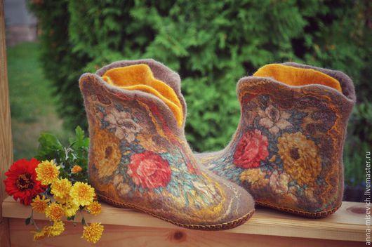 """Обувь ручной работы. Ярмарка Мастеров - ручная работа. Купить Чуни """"Душевный разговор"""". Handmade. Разноцветный, тапки валяные"""