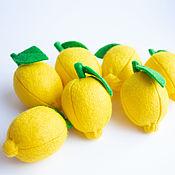 Кукольная еда ручной работы. Ярмарка Мастеров - ручная работа Лимон из фетра фрукты из фетра. Handmade.