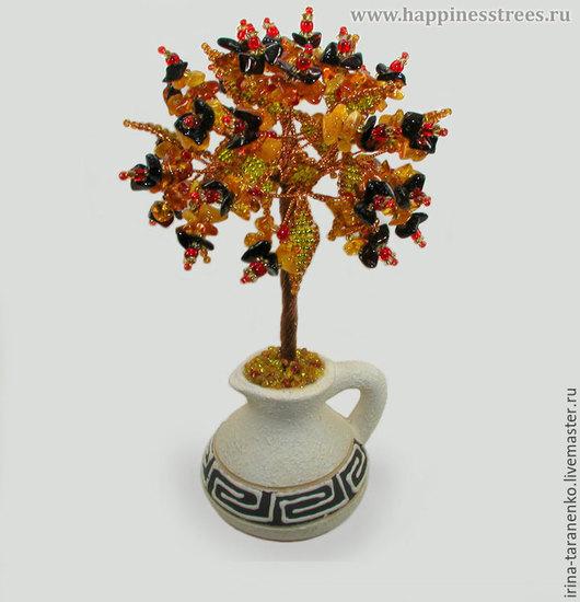 Дерево из янтаря `Сиа` в вазочке из белой глины
