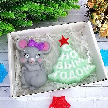 """Косметика ручной работы. Ярмарка Мастеров - ручная работа """"Мышка с бантиком и елочка"""", набор из мыла ручной работы.. Handmade."""