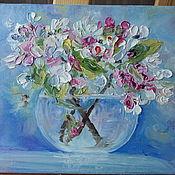 Картины ручной работы. Ярмарка Мастеров - ручная работа Картина маслом на холсте Яблоневый цвет. Handmade.