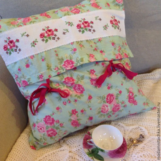 """Текстиль, ковры ручной работы. Ярмарка Мастеров - ручная работа. Купить Подушка """"Розы"""". Handmade. Разноцветный, подушка на диван"""
