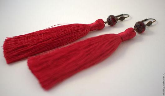 Серьги ручной работы. Ярмарка Мастеров - ручная работа. Купить серьги с кистями цвета фуксии. Handmade. Фуксия, подарок женщине