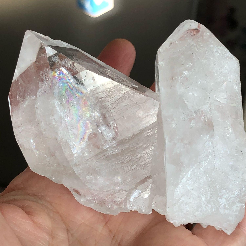 Крупный кристалл природного горного хрусталя, Камни, Пятигорск,  Фото №1