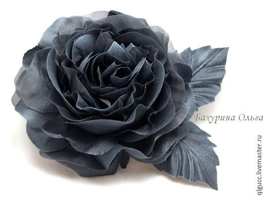Броши ручной работы. Ярмарка Мастеров - ручная работа. Купить Роза из шёлка тёмно-серая. Handmade. Темно-серый, бульки