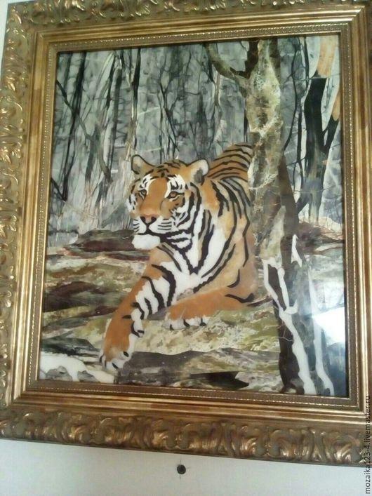 Панно ` Тигр на скале` ручной работы